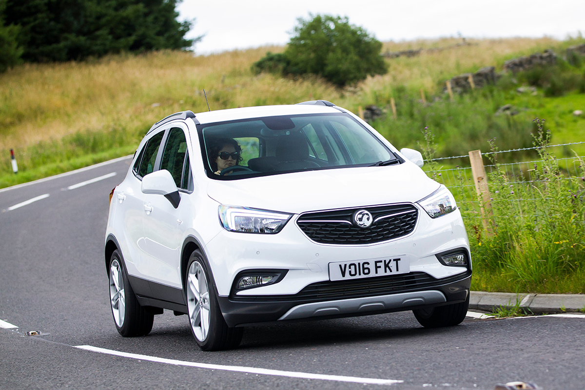 new car discounts and discount reductions - VAUXHALL MOKKA X driving